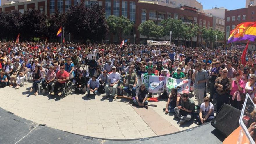 Aspecto de la plaza de la Constitución en el acto de Unidos Podemos en Ciudad Real