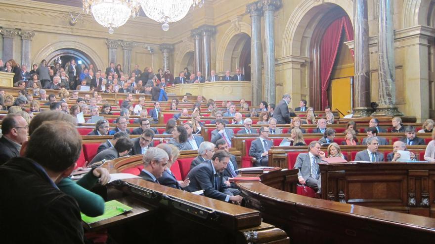 El Parlament catalán aprueba la proposición con el voto de CiU, ERC, ICV y tres diputados del PSC