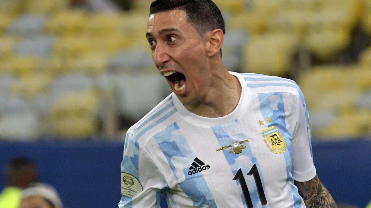 Di María festeja el gol en el Maracaná