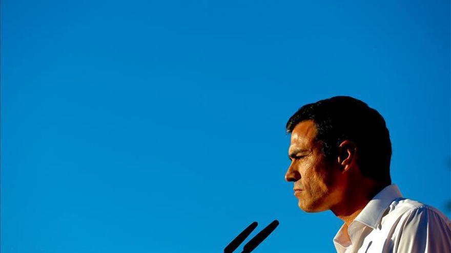 """Pedro Sánchez dice a los votantes de izquierda que """"no es hora de dividirse sino de unirnos"""""""