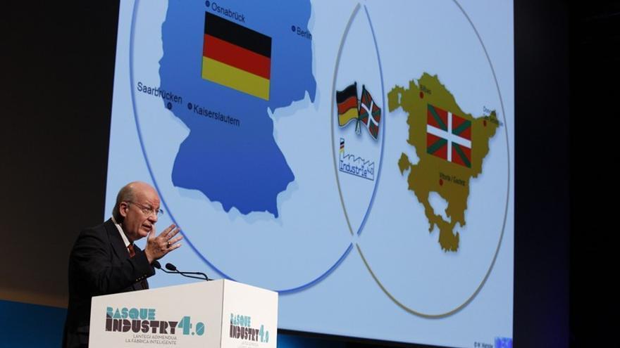El vicepresidente de Fabricación de Siemens, Günter Beitinger