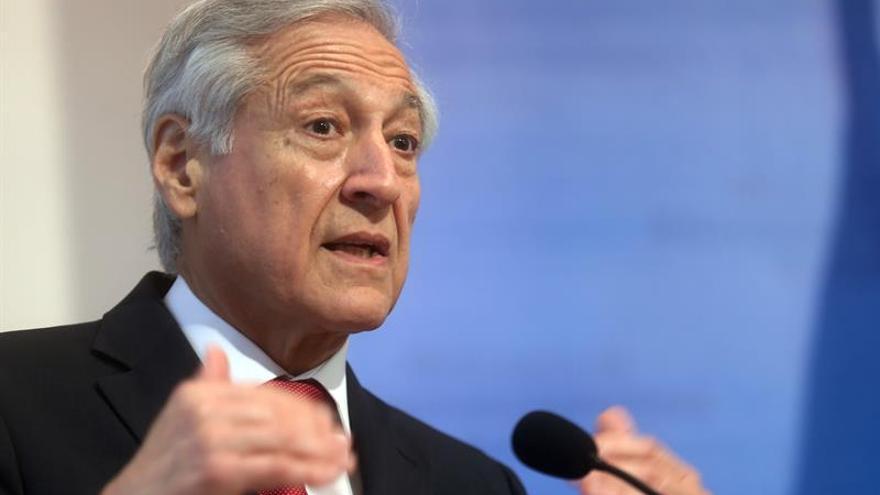 Venezuela acusa al canciller chileno de defender la corrupción y la violencia