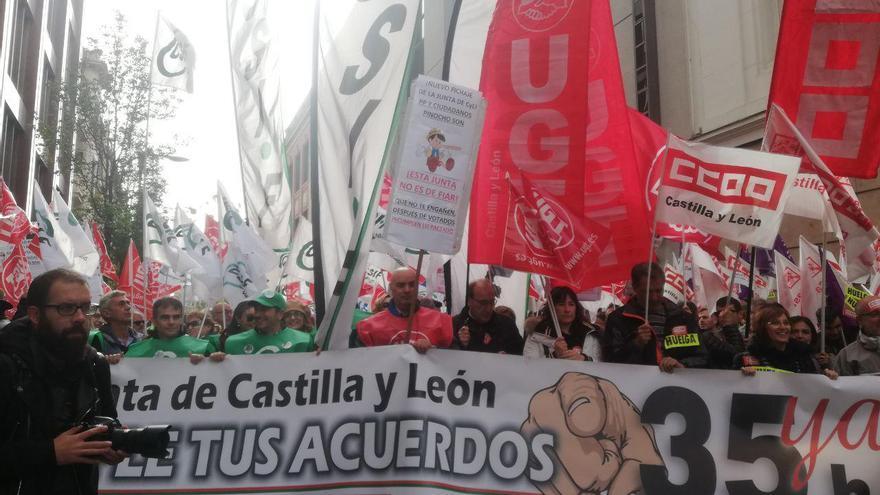 Concentración frente a la Delegación de la Junta en Valladolid.