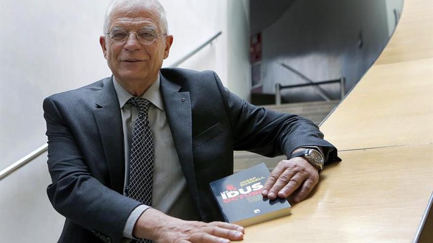 Borrell advierte de que se están confundiendo los avales con una primera vuelta