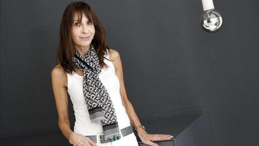 """Carla Guelfenbein dice que la literatura debe sacar a la luz """"lo que es invisible"""""""