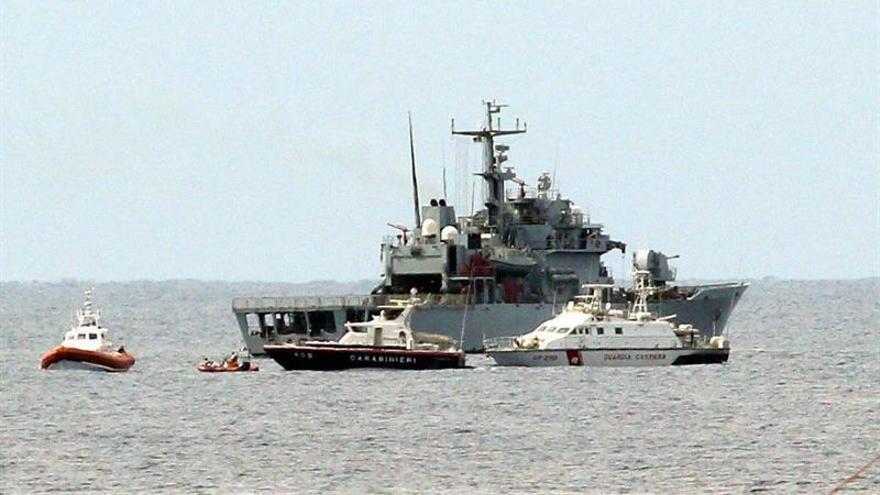 La nave reflotada podría contener hasta 300 cadáveres, según Marina italiana