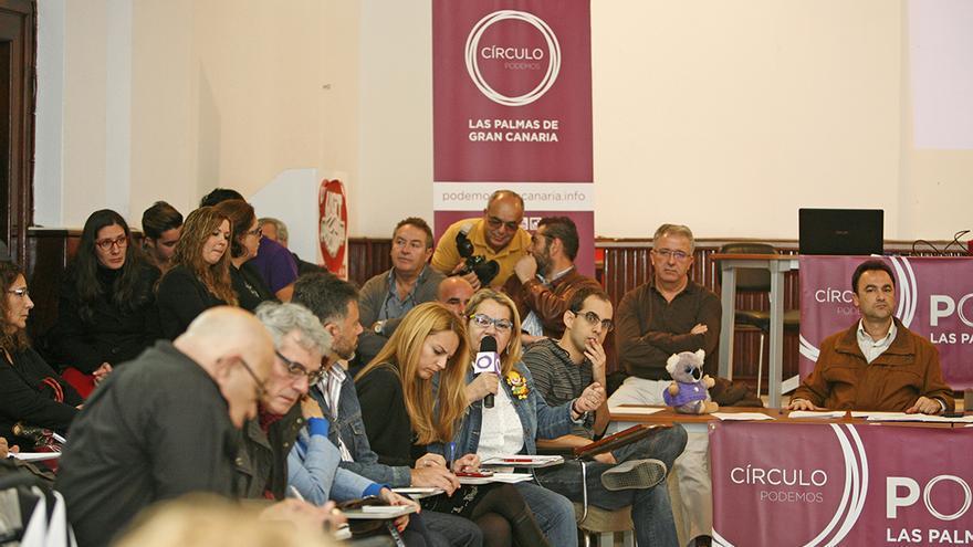 Asamblea del Círculo de Podemos en Las Palmas de Gran Canaria. (ALEJANDRO RAMOS)