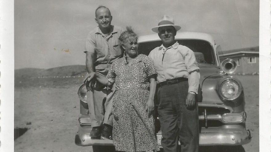 Julio Yagües Jarqué, Josefa Jarque Soriano y Domingo Yagües Sánchez