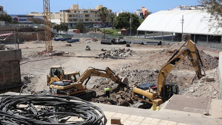 Las obras continúan en el nuevo aparcamiento de Arguineguín.