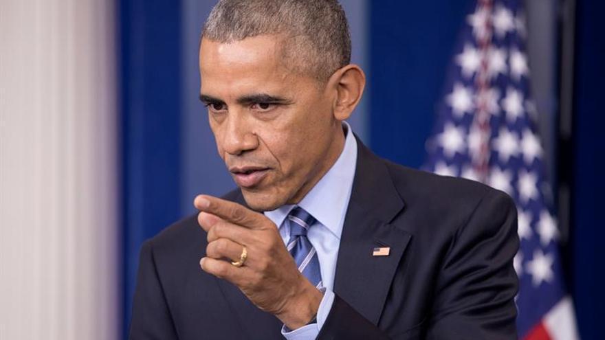 """Obama afirma que """"los valores de Estados Unidos están en peligro"""""""