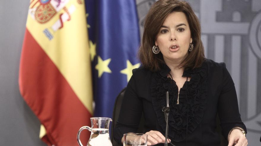 Sáenz de Santamaría dice que los escraches están fuera del sistema de libertades y afecta a quienes no pueden defenderse