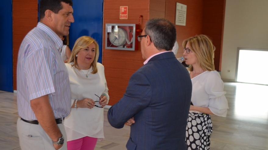 María Ángeles Sánchez Trillo, junto al presidente de ACESCAM, José Manuel Llario. FOTO: ACESCAM