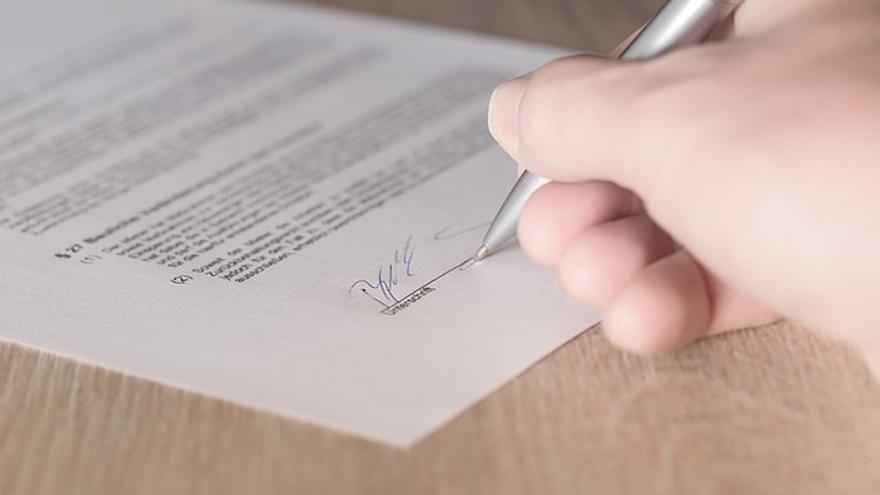 En los contratos, las plataformas de autoedición especifican las condiciones del acuerdo con el autor