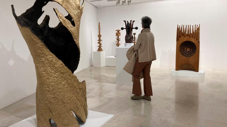 El escultor Coomonte muestra su vitalidad artística a sus 88 años en el Mecyl