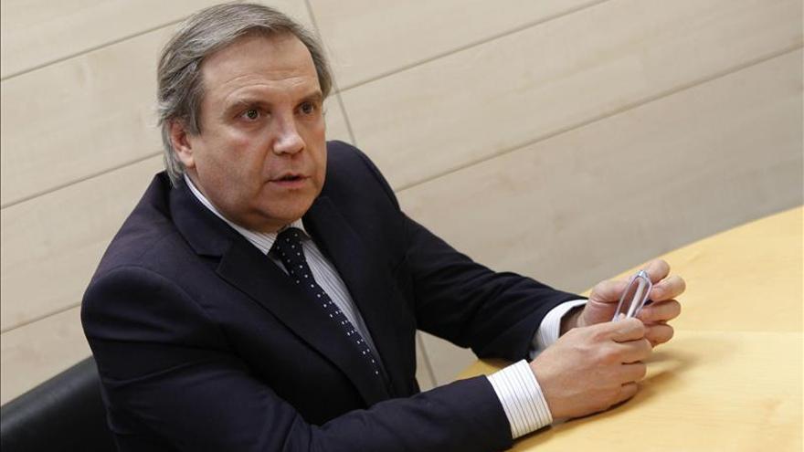 Carmona dice que su destitución obedece a una división interna y rechaza ser senador