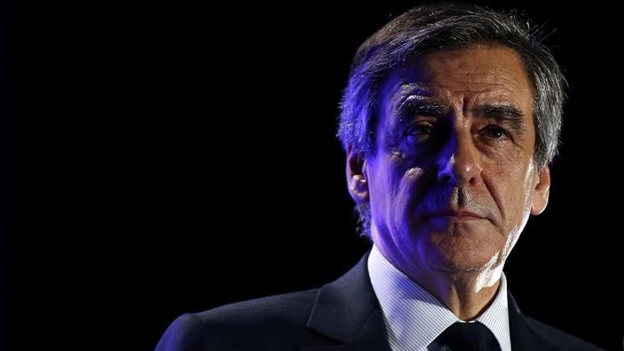 El portavoz de Fillon se suma a la oleada de deserciones en su campaña
