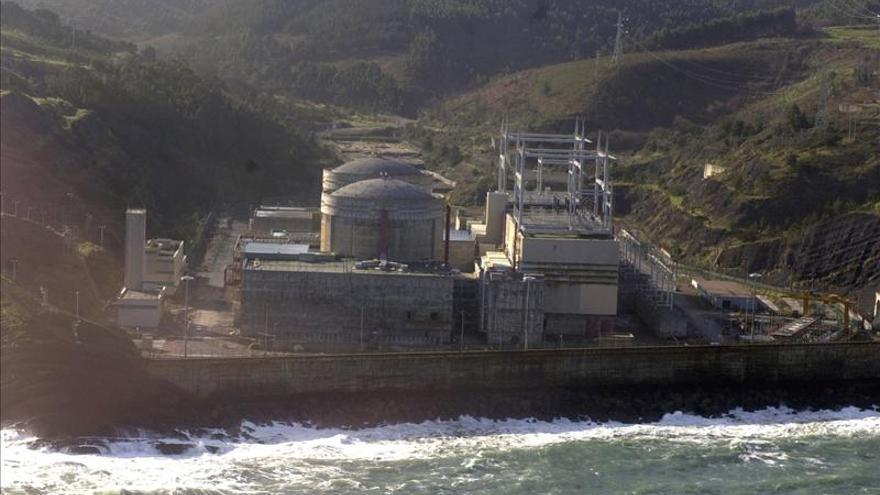 Detenidos por causar destrozos en la central nuclear de Lemoniz