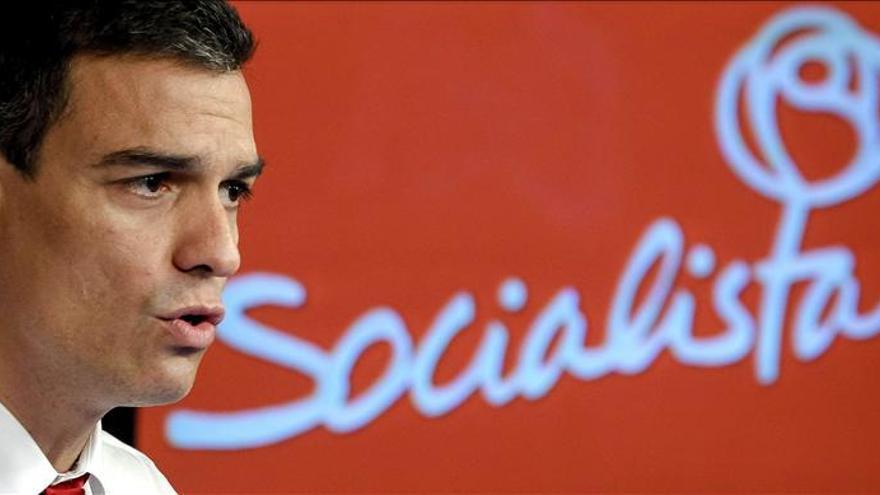 Pedro Sánchez dice que el PSOE es incompatible con el PP y con el populismo