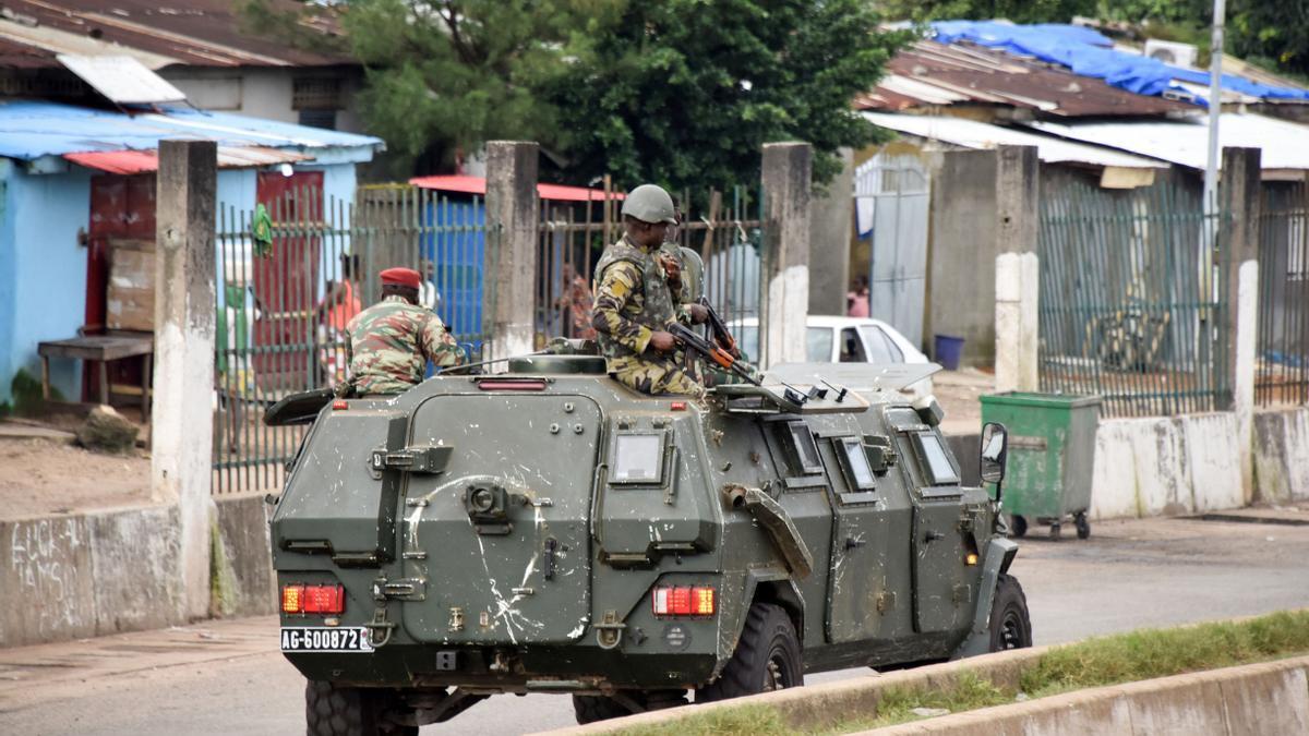 Militares se amotinaron en Guinea y aseguran que tomaron el poder