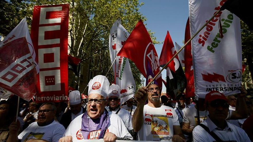 Los trabajadores de servicios a bordo de Renfe vuelven mañana a la huelga