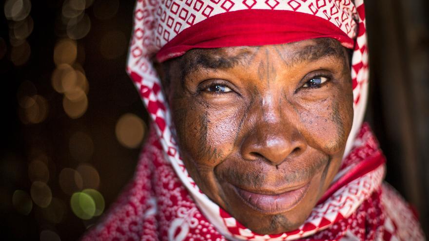 Julieta Simenya Nangulomba es una de las varias miles de personas de Makonde que han recibido documentos de identidad y ciudadanía keniata después de años de apatridia.