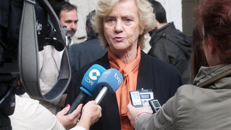 """La defensora del pueblo, """"muy preocupada"""" por la situación de Cataluña"""