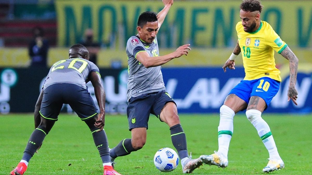 Neymar convirtió el segundo gol de Brasil, mediante un penal