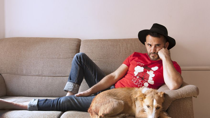 'Uve' es el nombre artístico del cantante y compositor cántabro Víctor Egusquiza.