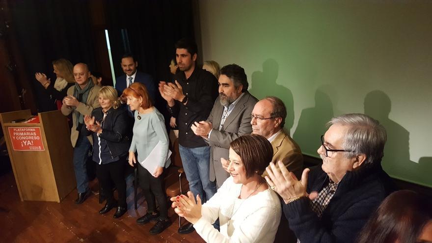 """Margarita Robles y Odón Elorza arropan la presentación de una plataforma de críticos con la Gestora """"ilegal"""" del PSOE"""
