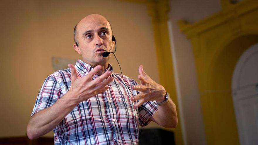 """Pepe Viyuela: """"la risa es una especie de salvavidas que ayuda a flotar"""""""