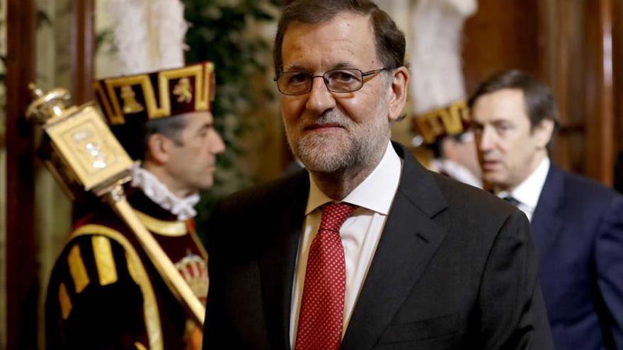 Rajoy evoca a Loyola de Palacio en el décimo aniversario de su fallecimiento