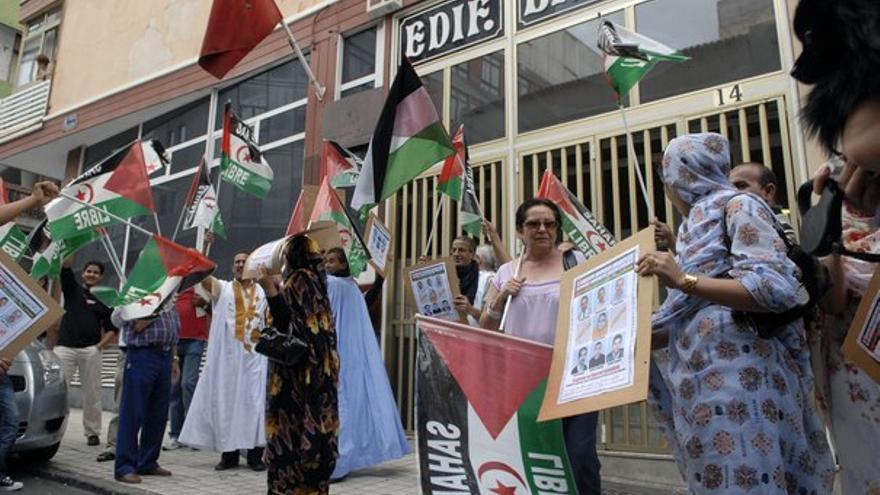 De la concentración de inmigrantes saharauis en el consulado de Marruecos #3