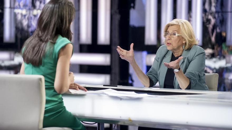 Manuela Carmena, con Ana Pastor en El Objetivo de La Sexta / Foto: Globomedia