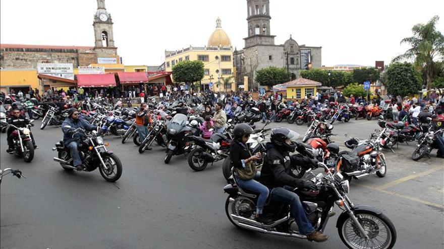 """Unos 40.000 motociclistas festejan a su patrona la """"Virgen del Favor"""""""