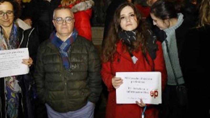 Periodistas de Europa Press y Diario de Mallorca en una concentración por la libertad de prensa en Palma.