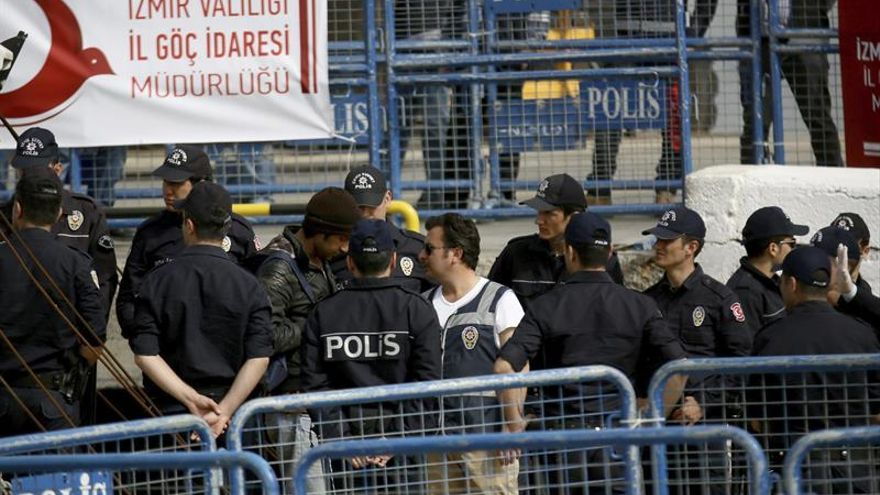 Grecia deporta 29 migrantes a Turquía por el acuerdo de la UE con ese país