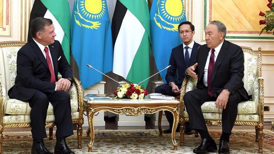 El rey de Jordania galardonado con un premio por sus esfuerzos anti-nucleares