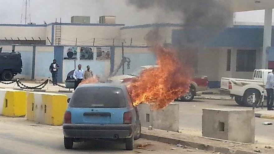 Violenta protesta en contra del jefe del gobierno libio reconocido en Tobruk