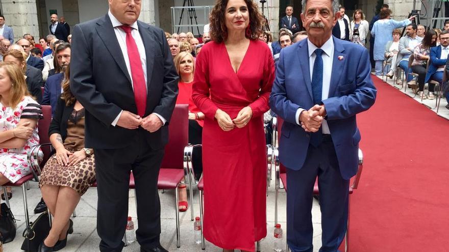 Toma posesión de Miguel Ángel Revilla como presidente de Cantabria