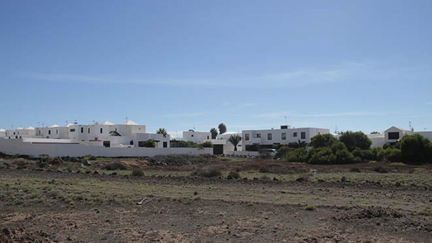 Casas en la urbanización de La Bufona, en Arrecife. Foto: Felipe de la Cruz.