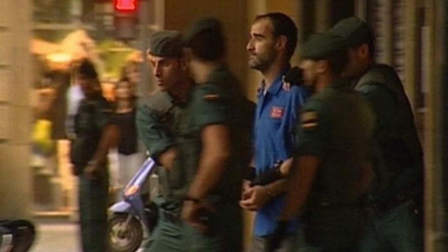Registro en la casa de del presunto miembro del comando Imanol, Javier Atristain