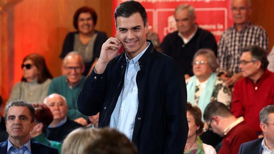 """Sánchez insta a los pensionistas a """"salir a la calle"""" para """"animar el debate"""""""