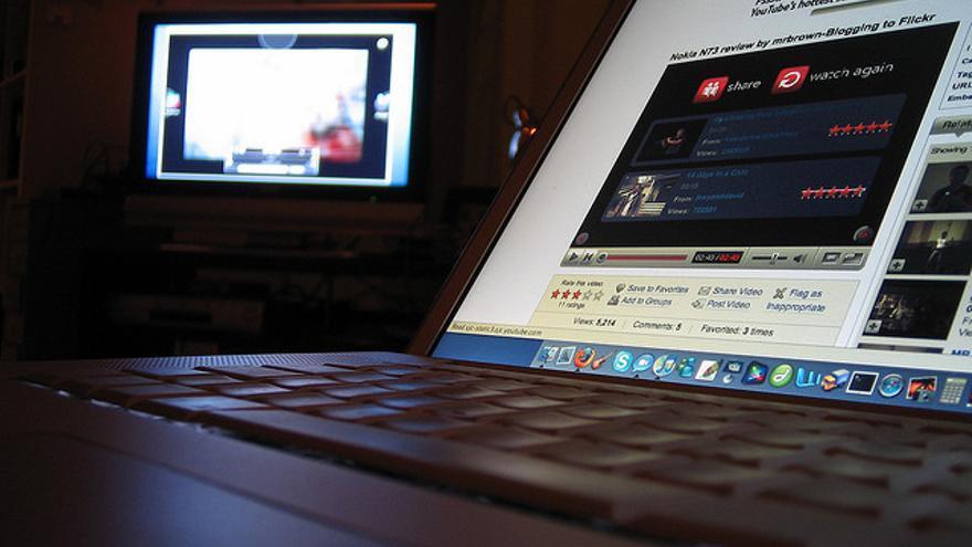 Podremos enlazar a un contenido disponible en Internet si permitimos el acceso utilizando el mismo medio