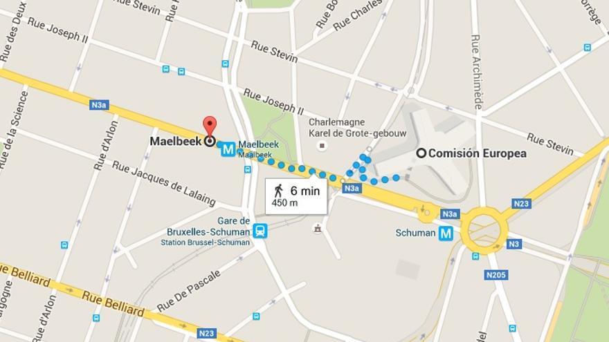 Distancia entre la estación de metro de Maelbeek, en la que ha habido una explosión este martes, y el edificio de la Comisión Europea en Bruselas.   Google Maps.