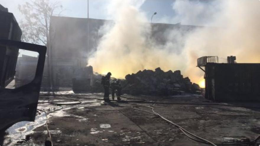 Imagen el incendio en Fuenlabrada