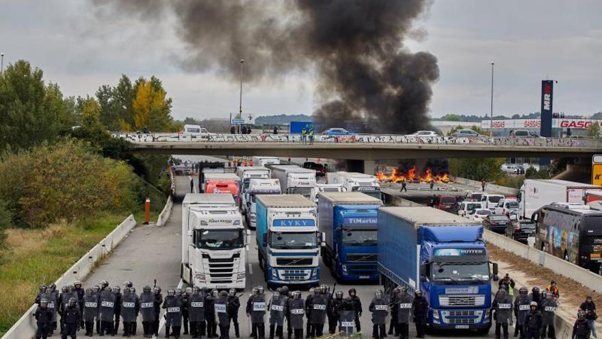 Los Mossos investigan a 15 personas por los disturbios tras el corte de la AP-7