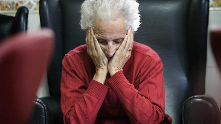 Las mujeres mayores de 65 años son las que menos denuncian la violencia machista.