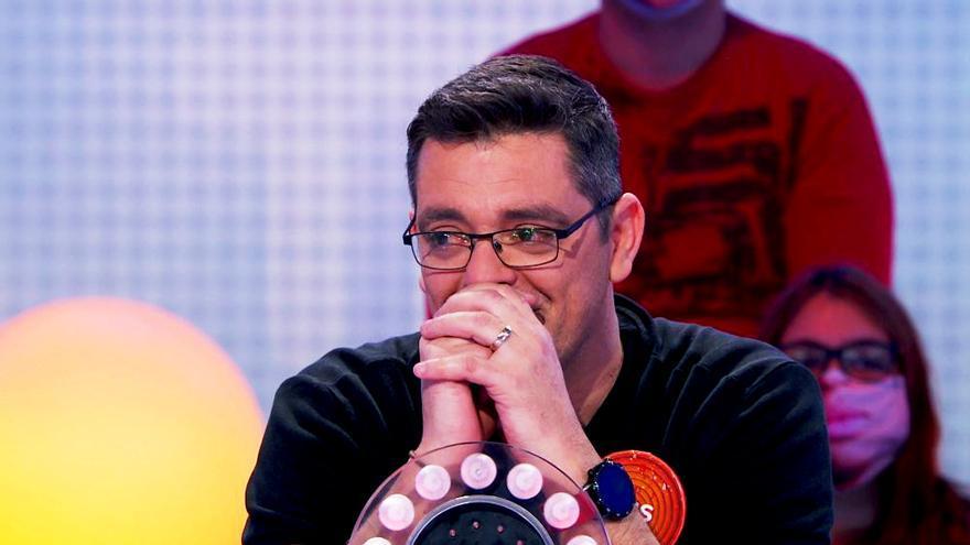 Luis, concursante de 'Pasapalabra', emocionado en el adiós de la regidora del programa