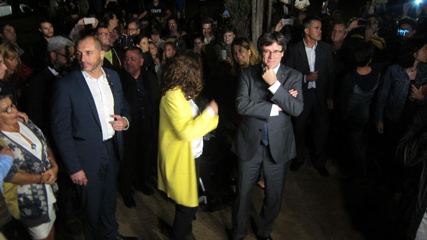 """Puigdemont acusa a Rajoy de vulnerar la Constitución con prácticas de """"dictaduras"""""""
