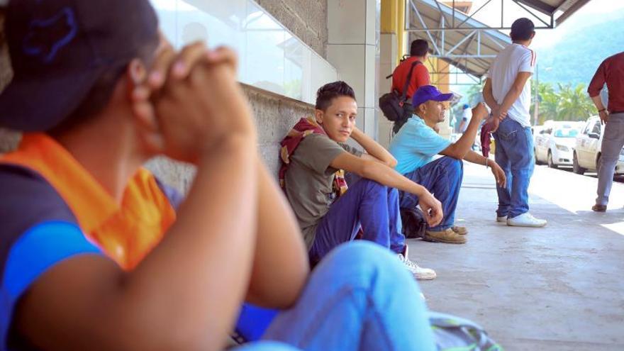 La segunda caravana del año se suma a al menos otras cuatro que se registraron desde el 13 de octubre de 2018, cuando más 5.000 inmigrantes, según fuentes oficiales, se fueron de su país aduciendo la mayoría de que no encuentran trabajo y la violencia criminal que vive el país centroamericano.